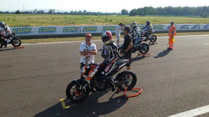 KTM Trofeo Duke 200